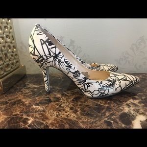 Nine West Pumps size 10